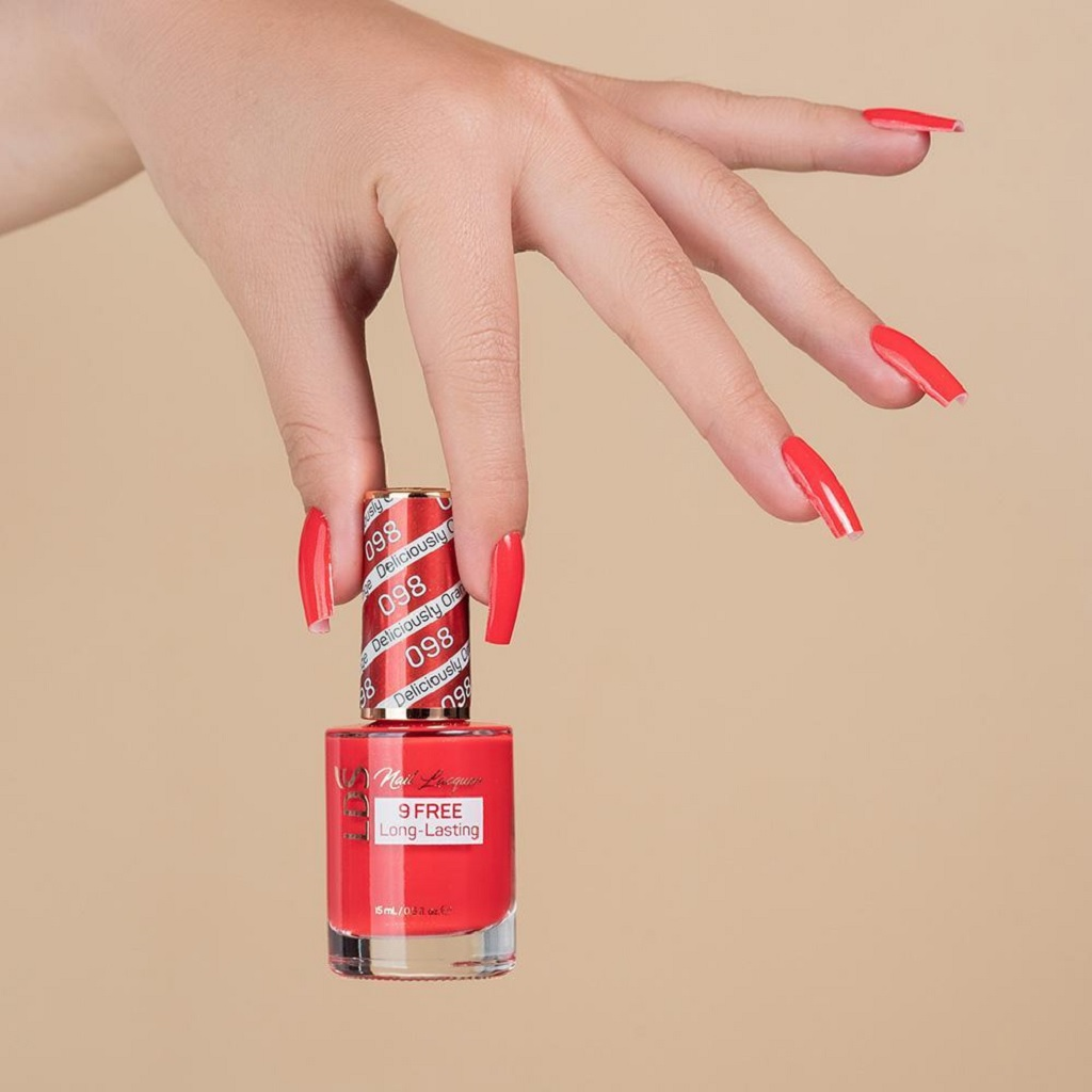 The Ultimate Pros and Cons of Gel Nail Polish